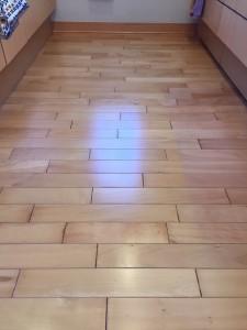 【ガラス】東京都三鷹市 築10年 天然木フローリング 剥離後